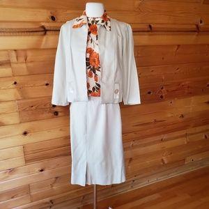 1950s/1960s Unlabeled Tan & Orange Floral Skirt Se